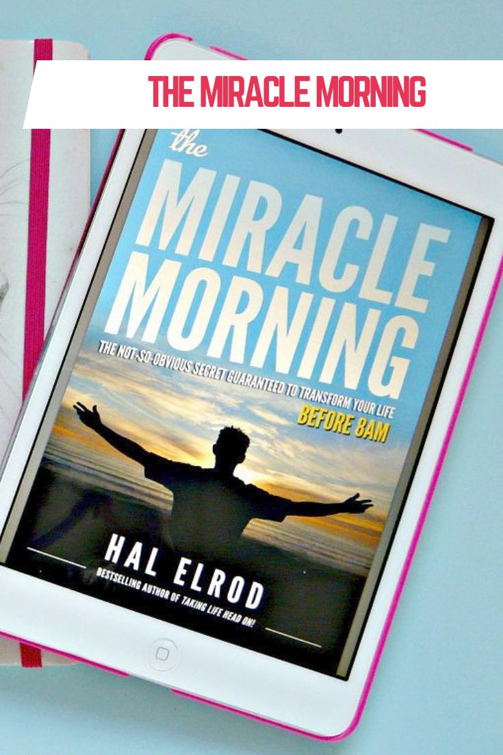 The Miracle Morning routine, wat is dat eigenlijk? Het is een uur eerder opstaan om stil te staan bij je leven en jezelf te verbeteren. Lees hier hoe het je helpt om productiever door het leven te gaan