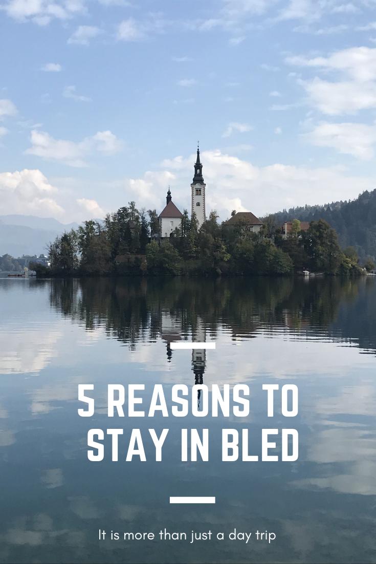 Als je een trip aan het plannen bent in Slovenië, zorg er dan voor dat je genoeg tijd hebt in Bled. Mensen komen voor een dagtocht en zien lang niet alles wat Bled te bieden heeft. Geniet en ga naar Bled!